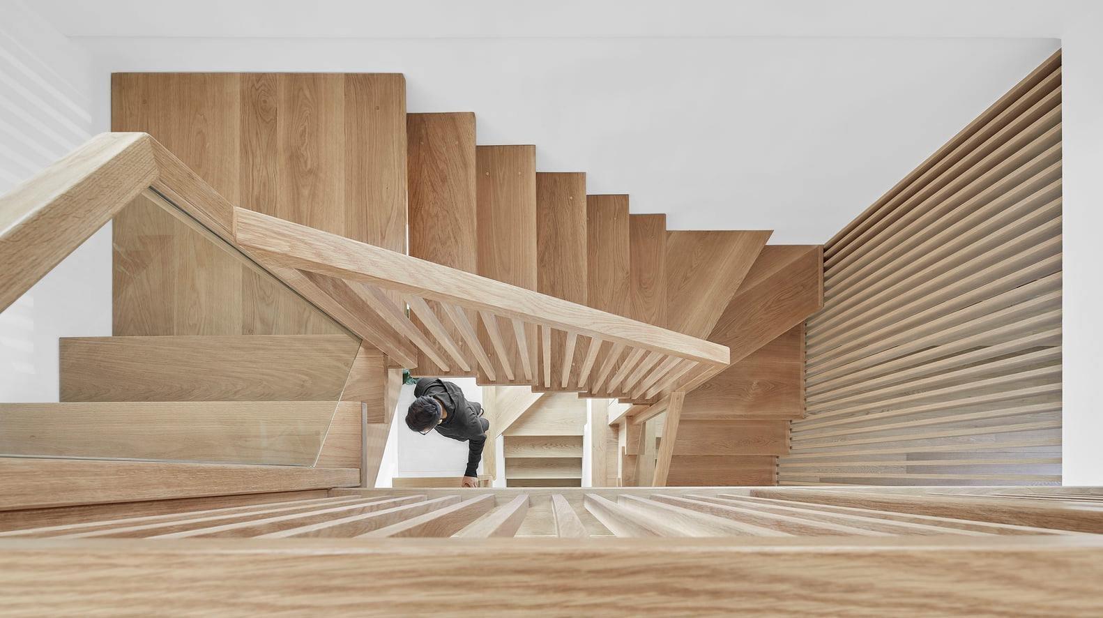 lối đi cầu thang bằng Gỗ công nghiệp