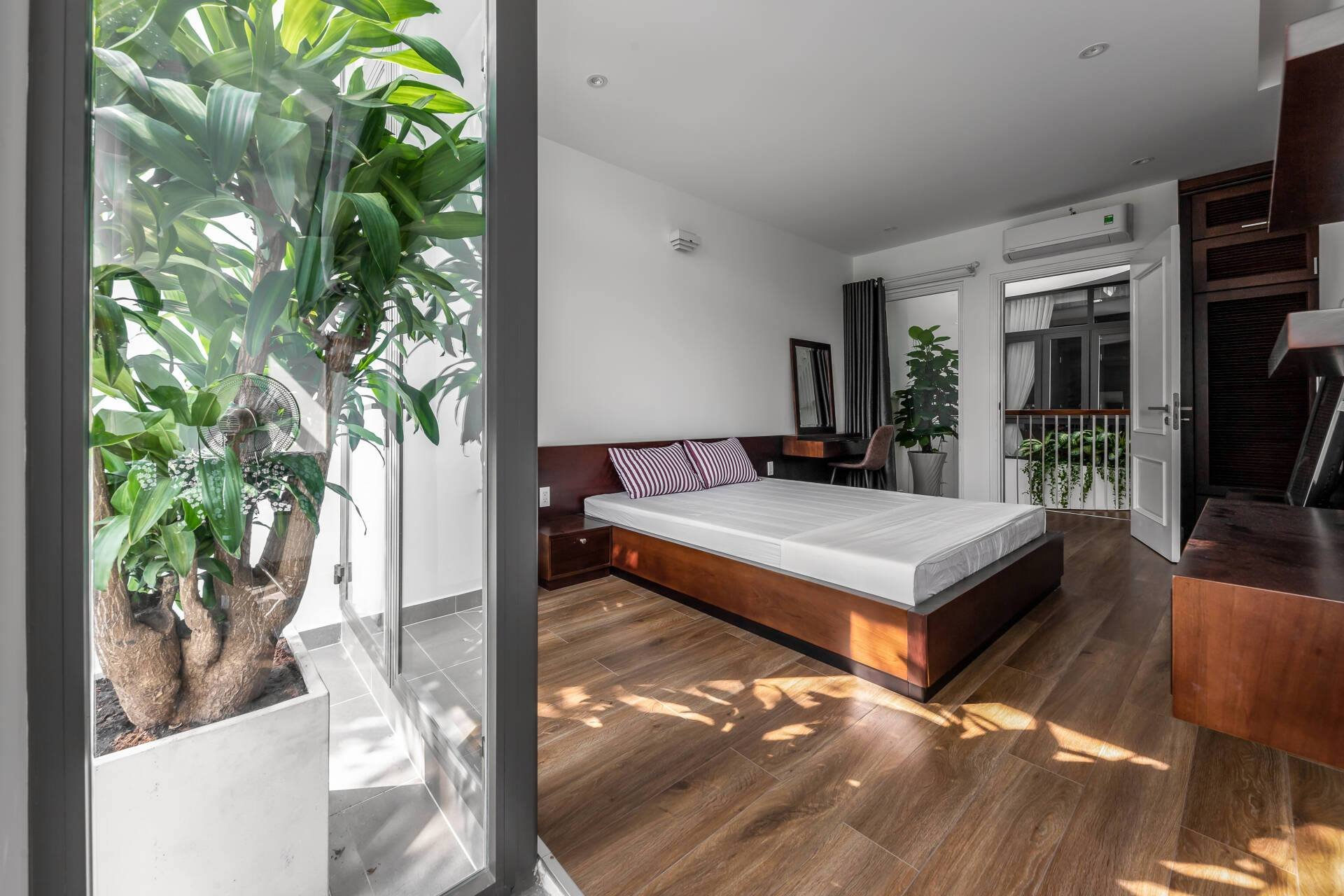 bố trí nội thất phòng ngủ hợp lý, rộng rãi